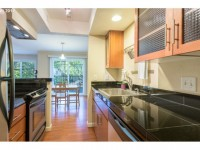 Modern 3 bedroom apartment, steps from Mt Tabor Park