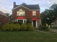 $550 - Furnished Third Floor 1 Bedroom / Full Bath in University Heights with gorgeous yard